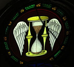 Saint_Peter_Church_(Upper_Sandusky,_Ohio)_-_stained_glass,_Tempus_Fugit_-_Time_Flies